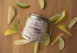 Świeca zapachowa Wrapped Butter Passionfruit Lime Milkhouse Candle