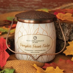 Świeca zapachowa Wrapped Butter Pumpkin Pecan Fudge Milkhouse Candle