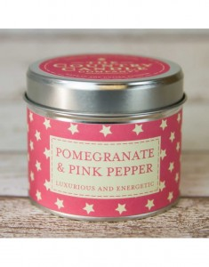 The Country Candle świeca superstars Pomegranate & Pink Pepper