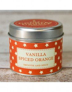 The Country Candle świeca superstars Vanilla Spiced Orange
