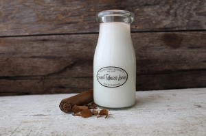 Świeca zapachowa Milk Bottle Sweet Tobacco Leaves Milkhouse Candle